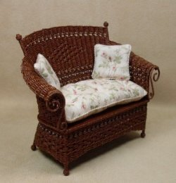 Molly's Loveseat in Mahogany