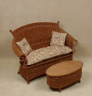 Molly's Settee in Cherry
