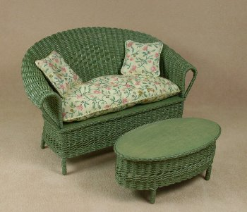 Classic Settee in Fern Green - Click Image to Close