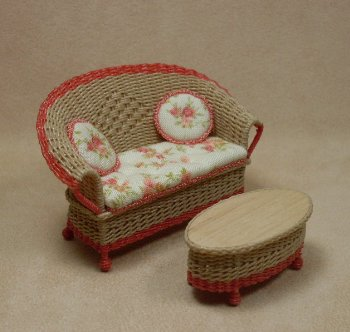 "1/2"" Carolina Settee - Click Image to Close"