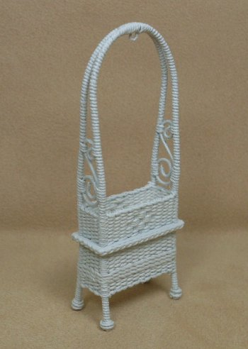 "1/2"" White Arbor Plant Stand - Click Image to Close"