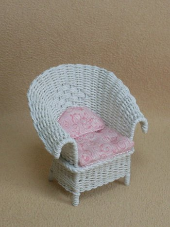 "1/2"" White Porch Chair - Click Image to Close"