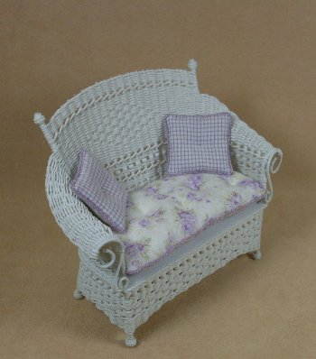 Molly's Loveseat in White - Click Image to Close