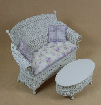 Molly's Settee in White - Click Image to Close