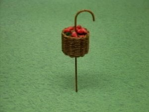 Victorian Berry Basket - Click Image to Close