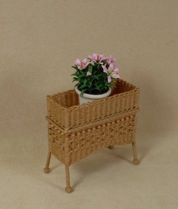 Molly's Standing Planter in Honey - Click Image to Close