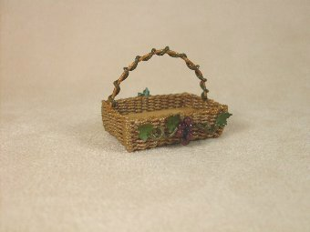 Vineyard Basket With Grapes - Click Image to Close